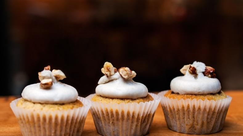 Divine Whistle Pig Cupcakes