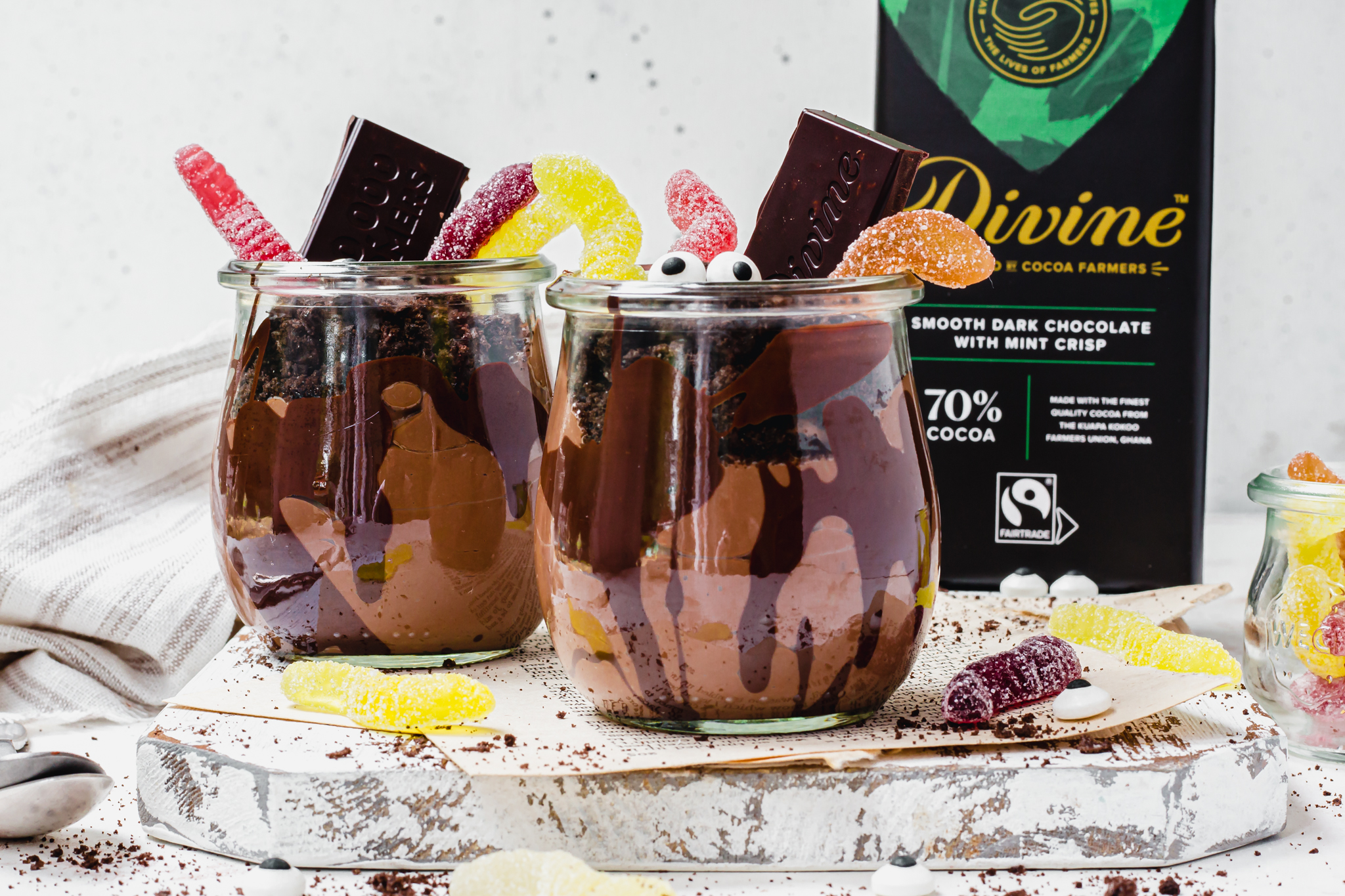 Wiggly Worm Chocolate Dirt Pots
